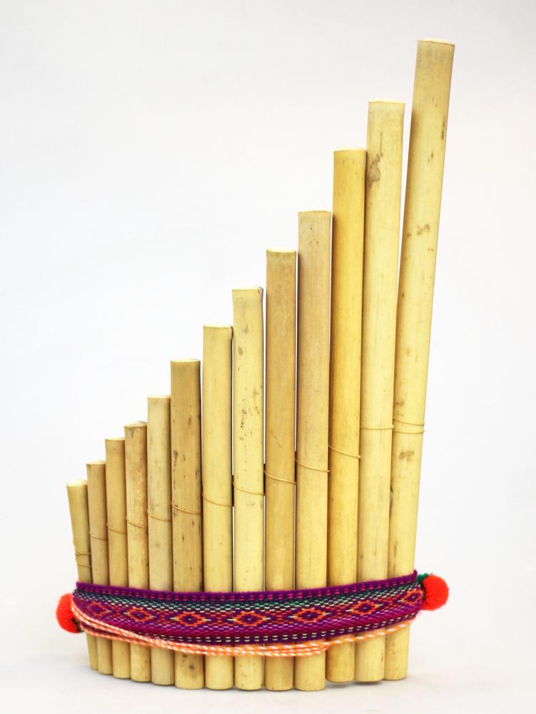 Panfluit 13 pijpjes enkele rij gebogen bamboe band L - Peru