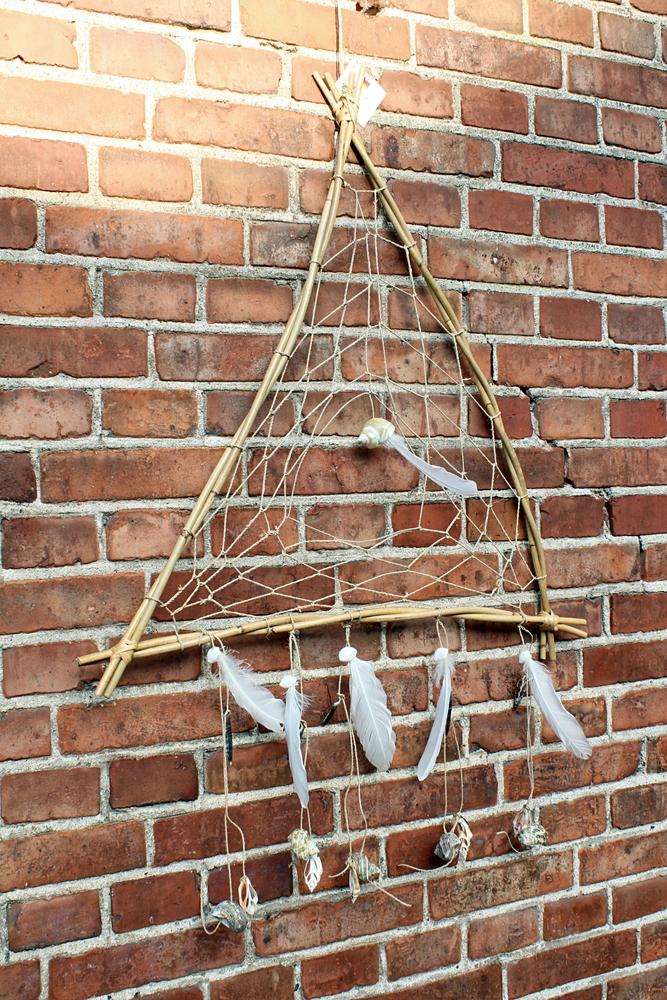 Dromenvanger rotan driehoek naturel schelpen B 60cm - Indonesie