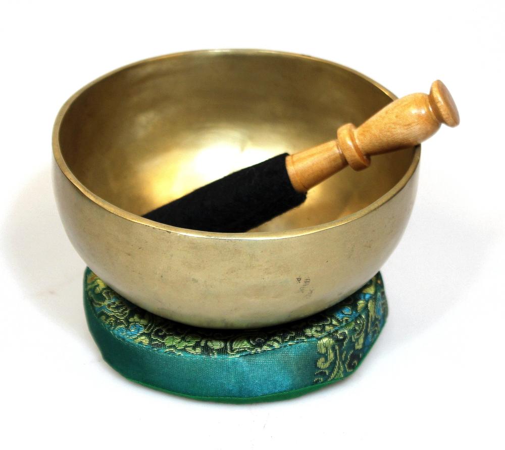 Klankschaal D 13cm handgemaakt + stok - Nepal