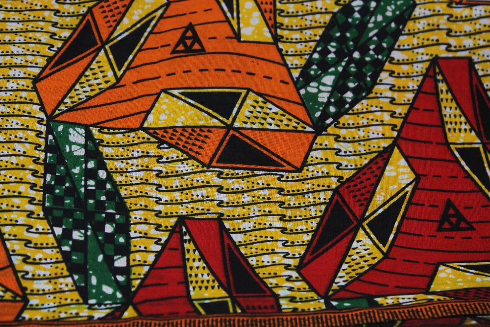 Doek / Stof Africa duizendvoud, rood-oranje-geel-groen, l x br = 324 x 103 cm, BrGH8774 - Tanzania