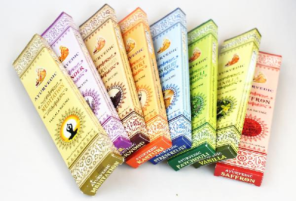 Wierook Ayurvedisch diverse geuren doosje 15 stokjes - India