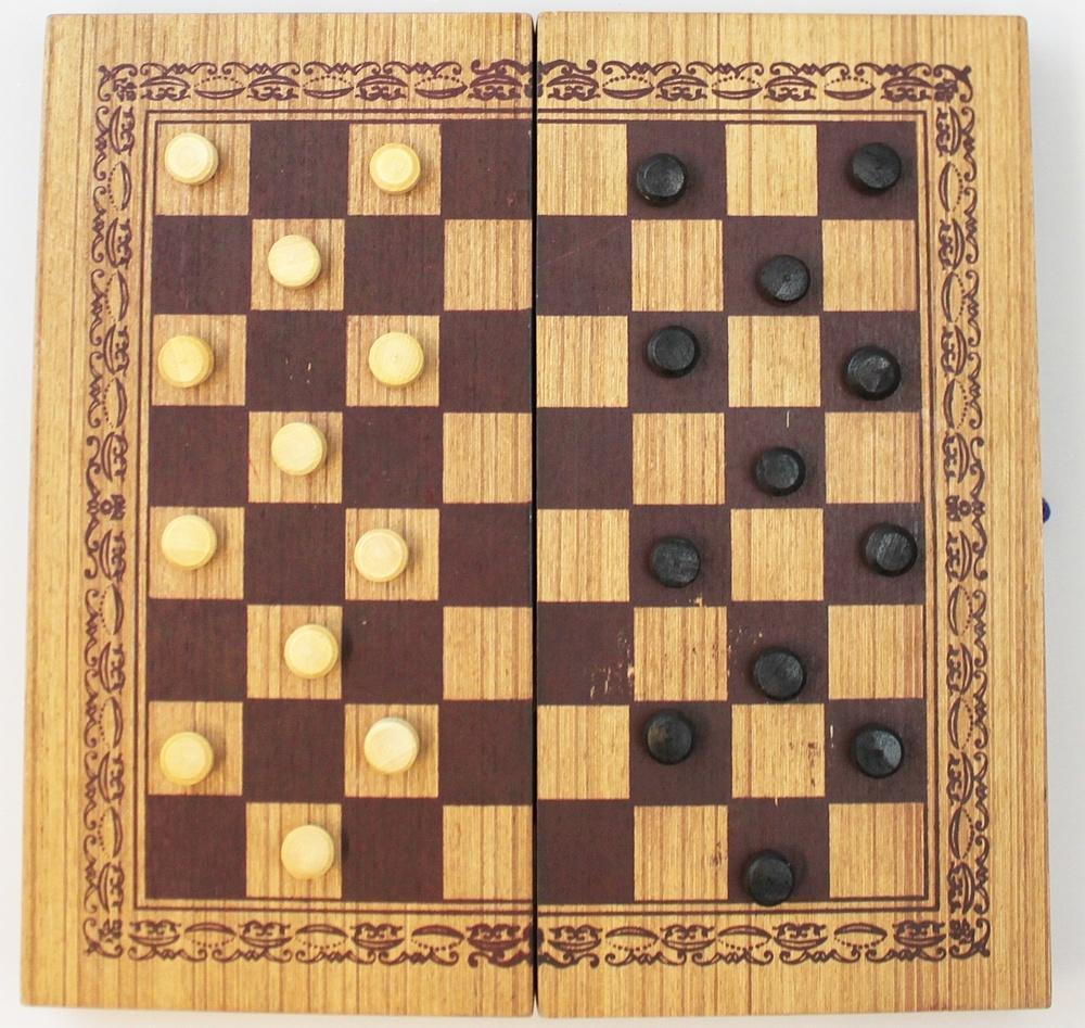 Twee spelen Backgammon / Dammen hout in doos G242 - Thailand