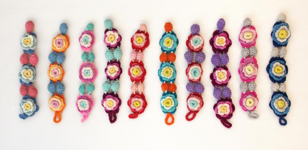 Armband gehaakte bloemen breed 3cm - Peru