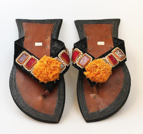 Sandalen, Slippers Rubber, Volwassene, rijk versierd, Recycled diverse maten - Ghana